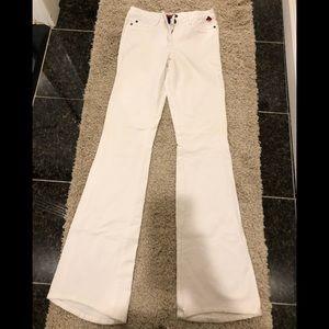 White flared leg stretch jean